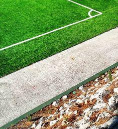 Linhas de fim de semana 🚩  #manhãsperfeitasblog .  #linhas #guidelines #futebol #canto #chutarparacanto #alegriadojogo #vitórias #golos #relvado #campo #sintético #verde #clube #equipa #competição #sucesso #emforma #embaixodeforma #treinar #treinarbem #quandonemtudocorrebem #atitude #treinarmelhor #superação #garra #minimal #instagramar #instapics #huawei