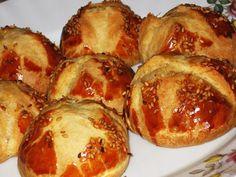 Sütlü Kabartma Tozlu Poğaça Dinner Recipes, Dessert Recipes, Cookie Recipes, Pogaca Recipe, Turkish Recipes, Ethnic Recipes, Turkish Kitchen, Good Food, Yummy Food