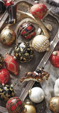 Adorn every bough of your tree in the rich heritage of tartan plaid with our Highland Holiday Ornament Collection. Red, black and gold glass orbs are handpainted with plaids, stripes, glittering bows and sparkling crystals. Black Christmas Trees, Tartan Christmas, Gold Christmas Decorations, Country Christmas, Christmas Balls, Christmas 2017, Vintage Christmas, Christmas Holidays, Merry Christmas