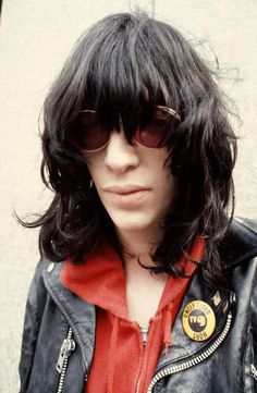 JOEY RAMONE a lovely man. Great hair!