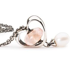 Today, we launch the Valentines collection 2016. We introduce this beautiful and special limited edition release Heart Bloom with our new amazing ring Ring of Change. A new and elegant way to wear your beads! Discover our best ideas on a Valentines gift for someone you love. Shop #trollbead looks at Gordon Jewelers