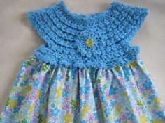 Vestido com pala de crochet