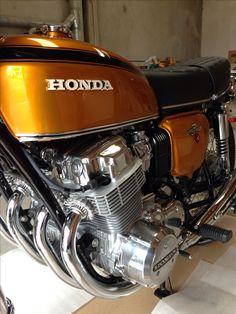 Like new Honda 750, Honda Cbx 1050, Cb 750 Cafe Racer, Cafe Racer Parts, Vintage Honda Motorcycles, Honda Bikes, Ford Gt, Triumph Bonneville, Bmw M5