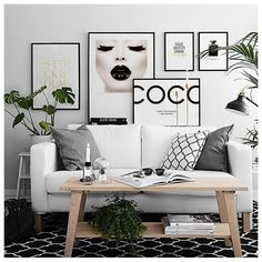 """2,326 curtidas, 27 comentários - DESENIO (@desenio) no Instagram: """"Make your walls more personal and create a nice gallery wall with your favourite city, quotes and…"""""""