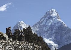KATHMANDU, Nepal (AP) — Two British and a Mexican climber on Thursday became the first foreigners to scale Mount Everest in two years together with three Nepalese guides, officials said. Virtual Reality Viewer, Mount Everest Base Camp, Climbing Everest, Climbers, Stunts, Climate Change, Nepal, Photo Galleries, Beautiful Places