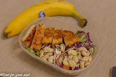 Snitel de curcan cu parmezan la cuptor Parmezan, Meat, Chicken, Vegetables, Recipes, Food, Salads, Meal, Eten