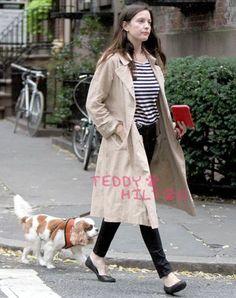 liv-tyler-and-dog-walkin-ro__oPt.jpg