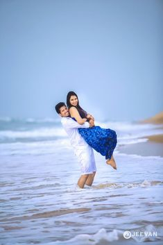 Shopzters is a South Indian wedding site Photo Poses For Couples, Couple Picture Poses, Couple Photoshoot Poses, Couple Posing, Couple Shoot, Indian Wedding Couple Photography, Wedding Couple Photos, Couple Photography Poses, Bridal Photography