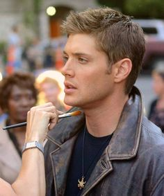 Jensen behind the scenes...I want this woman's job! (or the one who does his hair. Imagine having a legitimate excuse to run your fingers through his hair all the time, haha)