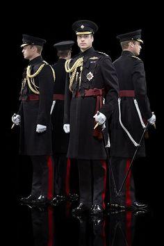 Prince William & Queen Elizabeth Look Regal in Newly Released Portraits