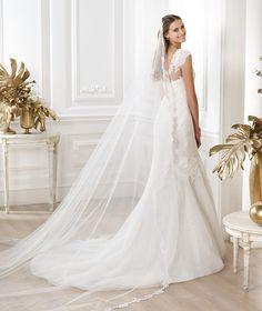 Pronovias te presenta el vestido de novia Lansi. Fashion 2014. | Pronovias
