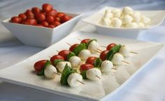 How to Make a Caprese Salad Appetizer in Minutes.  Gorgeous yummy appy with only 3 carbs per.