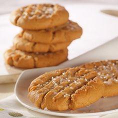 VeryBestBaking.com   Easy Peanut Butter Crisscross Cookies