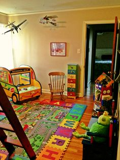 Toddler Boy's Bedroom