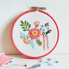 This embroidery pattern will look lovely on a good number of sewing projects such as book covers, purses, bags and more.
