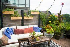 33 The Best Urban Garden Design Ideas For Your Backyard Urban Garden Design, Outdoor Living, Outdoor Decor, Outdoor Paint, Outdoor Landscaping, Landscaping Ideas, Back Patio, Diy Pergola, Outdoor Areas