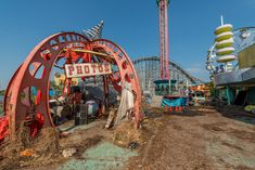 Get ready to be freaked out by some of the scariest abandoned theme parks and airports around the globe…. Ever wondered what an amusement park or airport looks like when it closes down?