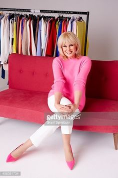 Looking good: Joanna LUMLEY revealed that she loves ageing and has no plans to go under the knife 60 Fashion, Over 50 Womens Fashion, Fashion Over 50, Fashion Outfits, Fashion Trends, Stylish Older Women, Joanna Lumley, Films Cinema, Beautiful Old Woman