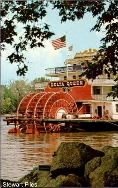 Mississippi Delta Queen, had lunch on the Delta Queen at Vicksburg, while my cousins, the Kelly Girls, were docked there in the early 70s.