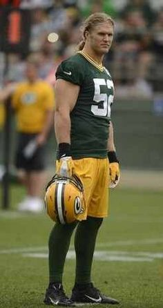 This guy!Green Bay Packers linebacker Clay Matthews looks on during training camp practice at Ray Nitschke Field on Friday, July Evan Siegle/Press-Gazette Media Bears Packers, Packers Baby, Go Packers, Packers Football, Football Baby, Greenbay Packers, Football Players, Ray Nitschke, Green Bay Packers Players