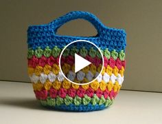 Hello my friends. Today I want to share with you this video tutorial of how to crochet a beautiful bag. This video is made by bobwilson123 and explain you in minimal detail how to make this wonderful bag. Complexity: Advanced Beginner Hope…