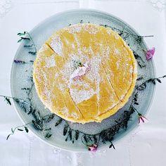 Um cheesecake muito leve, light e super delicioso que se desfaz na boca. A receita perfeita para a sua autora, a Joana Andrade Nunes, comemorar o primeiro mês da sua filha