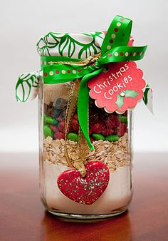 DIY Christmas Cookie Mix in a mason jar