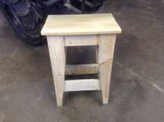 Stool or small table made from pallets.