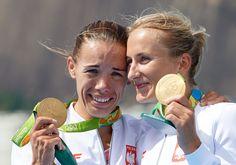 Magdalena Fularczyk-Kozłowska i Natalia Madaj odebrały złote medale za zwycięstwo w konkurencji dwójek podójnych w igrzykach w Rio de Janeiro..