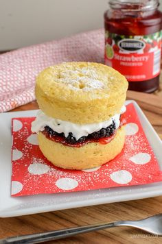 Low Syn Victoria Sponge Mug Cake all ready in minutes and perfect for when you fancy something sweet. Gluten Free, Vegetarian and Slimming World and Weight Watchers friendly