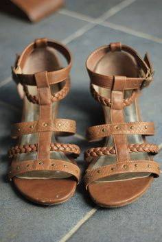 Update your Sandals and your wardrobe when shopping at Vinted! Save up to on Sandals and pre-loved clothing to complete your style. Brown Gladiator Sandals, Love Clothing, Women's Shoes Sandals, Second Hand Clothes, New Look, Check, Style, Swag, Women Sandals