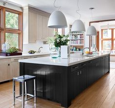 11 A Relaxed, Contemporary Kitchen