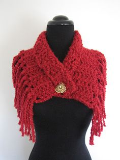 I LOVE this FAST and EASY collar type crochet piece...the Pattern-writer ( it's free) shares with us SEVERAL different ways to wear and to make without fringe if we like !~  ENJOY !