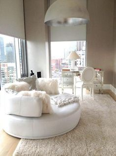 white office space, so chic.