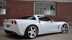Chevrolet Corvette love the white rimz