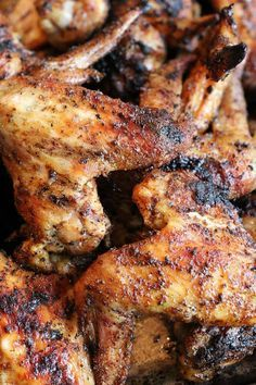 Dry Rubbed Healthy Chicken Wings This article is a healthy chicken wing recipe made with Spiceé Gourmet Memphis Rub and it is to die for. Chicken Wing Marinade, Chicken Wing Recipes, Roasted Chicken Wings, Oven Baked Chicken Wings, Dry Rub Chicken Wings, Chicken Kabobs, Fried Chicken, Pasta Primavera, Salads