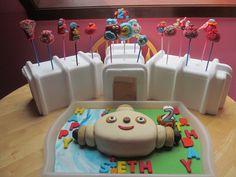 Seth's Maka Paka cake and birthday cake pops.
