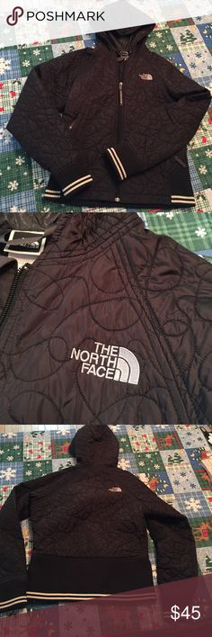 North Face short jacket GUC North Face jacket. Only flaw is a tear that was fixed by North Face. Great hacker just a little short on me. Inside has a pockets on both sides and a cool looking lining. Hood can be unzipped to lay flat. Very nice looking on 😍 North Face Jackets & Coats Puffers