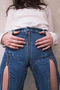 Best 9 Najprovokatívnejšie džínsy sveta: Obliekli by ste si ich? Khaki Jeans, Striped Jeans, Denim Jeans, Girls Jeans, Mom Jeans, Sexy Jeans, Skinny Jeans, Best Jeans For Women, Elegantes Outfit