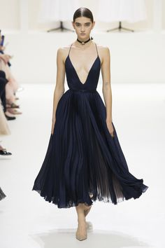 Blue Midnight_Christian Dior Fall 2018 Couture Collection - Vogue