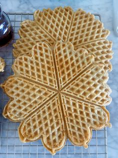 Havrevafler Norwegian Food, Waffle Recipes, Cake Cookies, Food For Thought, Nom Nom, Pancakes, Allergies, Brunch, Food And Drink