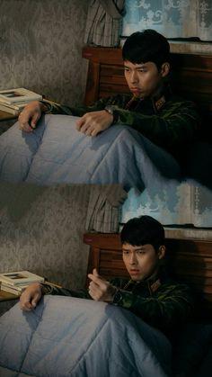 "Hyun Bin - ""Crash Landing on You"" (愛的迫降, 사랑의 불시착) Korean Drama Funny, Korean Drama Quotes, Korean Drama Movies, Hyun Bin, Handsome Korean Actors, Handsome Boys, Lee Shin, Gu Family Books, Hallyu Star"