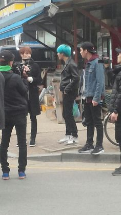 150317 More pics of JYJ out together for filming?