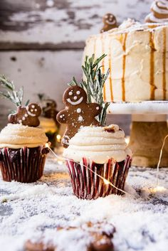 Gingerbread Cake with Caramel Cream Cheese Buttercream. Half Baked Harvest, Gingerbread Cake {Scratch} with Spiced Cream Cheese Frosting M. Gingerbread Cupcakes, Christmas Cupcakes, Christmas Desserts, Christmas Treats, Gingerbread Men, Christmas Gingerbread, Holiday Cakes, Holiday Baking, Christmas Baking