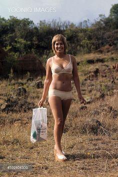 Prunella Gee played Patricia Hearing in Never Say Never Again Never Say Never, Never Again, Bond Girls, Film Base, English Actresses, Stunning Women, Bikinis, Swimwear, Bathing Suits