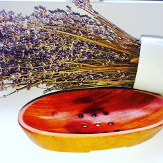 Beautiful Mahogany soap dish for your Handmade #soaps 🌹🌺#naturesoothes #natural www.divineyogashop.co.uk🌾Surprise #giftsforhim #giftsforher #giveaways 🌴💦