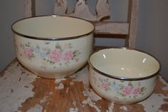 Pfaltzgraff Tea Rose-Enamelware-mixing bowls-nesting bowls-cream and rose by RusticFarmhouseFinds on Etsy