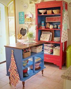 Old dresser island! - - Old dresser island! Diy Kitchen, Vintage Kitchen, Kitchen Design, Kitchen Colors, Kitchen Cart, Kitchen Storage, Kitchen Ideas, Retro Kitchen Decor, Kitchen White