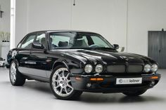 Jaguar XJR Jaguar X300, Automobile, Jaguar Daimler, Jaguar S Type, Xjr, British Sports Cars, Classic Mercedes, Car Wheels, Automotive Design