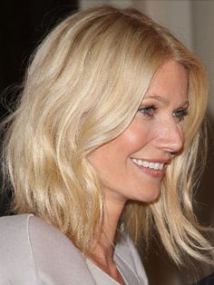 16 Gorgeous Photos of Celebs with Blonde Hair: Famous Blondes: Gwyneth Paltrow Cut My Hair, Wavy Hair, New Hair, Hair Cuts, Wavy Lob, Tousled Bob, Famous Blondes, Bobs Blondes, Long Hairstyles